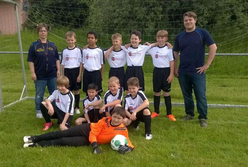 Trikotspende für die Fußballjugend des FC Dachsbach-Birnbaum